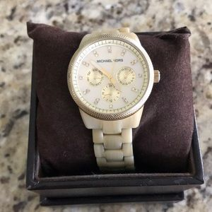 Michael Kors watch with extra link and box